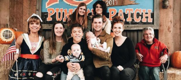 The 'Little People, Big World' family pose during the pumpkin season at the Roloff Farms / Photo via Jeremy James Roloff, Instagram