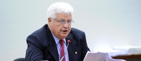 Deputado em reunião da Comissão na Câmara