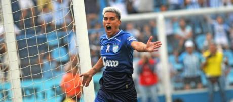 Jogador pode se encontrar com o Peixe nas oitavas de final da Libertadores