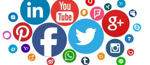 Las redes sociales benefician a la industria y al comercio.