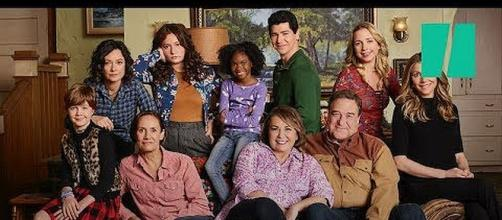 'Roseanne' canceled after Roseanne Barr sends racist tweet [Image: HuffPost/YouTube screenshot]