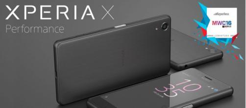 Xperia presenta su nuevo modelo de celular.