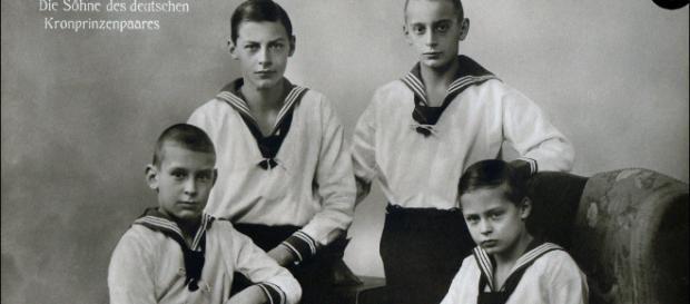 Die Söhne des deutschen Kronprinzenpaares - um 1917 | Flickr - flickr.com
