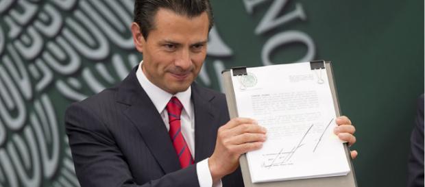 grafología de Enrique Peña Nieto - cunadegrillos.com
