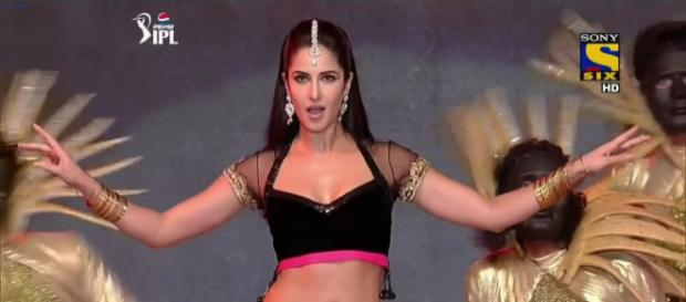 Katrina Kaif performs at the 2018 IPL closing ceremony (Image via IPL2018/Twiter)