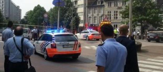 Sparatoria a Liegi in Belgio, un uomo uccide due poliziotti