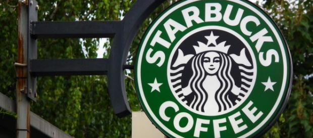 Starbucks decides to implement new racial partiality training. [Photo via 4028mdk09 / Wikimedia Commons]