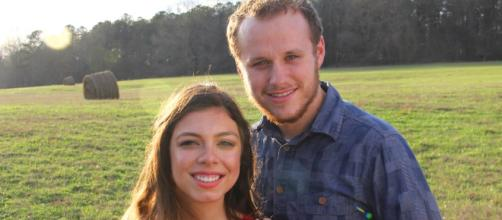 Josiah Duggar Is Engaged to Lauren Swanson -social network