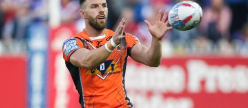 Luke Gale is set to be out for three months after fracturing his kneecap. Image Source - sky.com