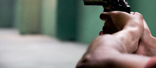 Un niño muere a balazos en una favela y vuelve el horror a Río de ... - com.ni