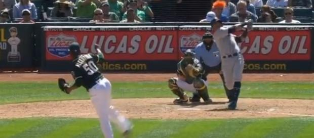 Nelson Cruz home run swing. - [Seattle Mariners / YouTube screencap]