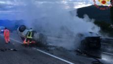Tragedia all'alba in Umbria, tre morti nello scontro tra auto