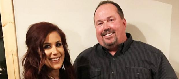 Chelsea Houska and Randy Houska pose for a photo. - [Photo via Instagram]