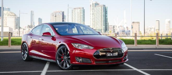 Tesla: Erneuter Unfall mit Elektroauto