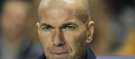 Real Madrid : Zidane quitte le club... - foot01.com