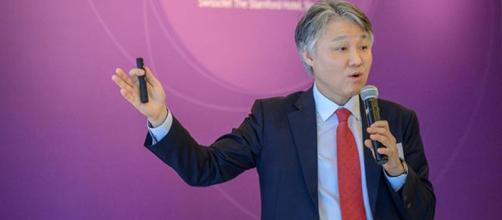 Han Jun-Seong, vicepresidente de la empresa matriz Hana Financial Group.