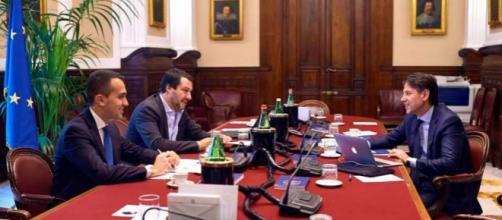 Il primo tavolo tra Matteo Salvini, Luigi Di Maio e Giuseppe Conte