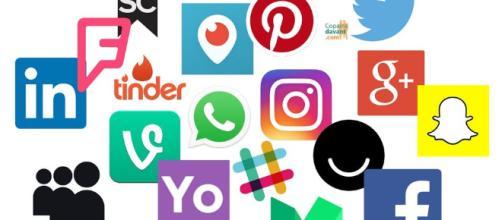 Les réseaux sociaux : Facebook, ...