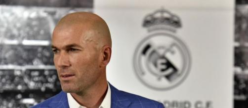Liga - Zinédine Zidane succède à Rafael Benitez sur le banc du ... - eurosport.fr