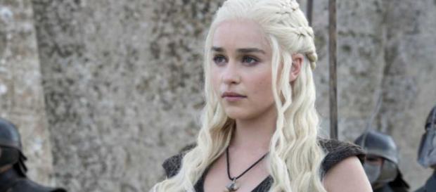 Game of Thrones : Emilia Clarke (Daenerys) n'a aucun problème avec ... - programme-tv.net