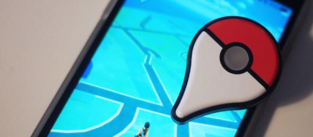 Poké Ball Plus, la alternativa a los Joy Con para Pokémon Let's Go Pikachu y Eevee con divertidos extras