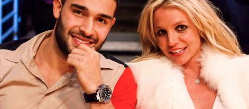 Britney Spears shares new workout video with boyfriend, Sam Asghari - Love Britney Spears   YouTube.com