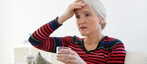 Infusión de salvia para calmar los sofocos de la menopausia - natursan.net