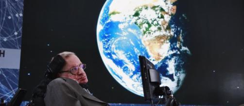 La ultima teoría de Stephen Hawking y su universo finito