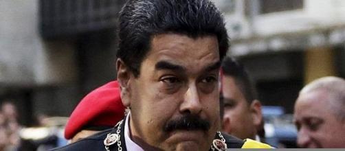 Maduro deja claro su intención de asfixiar al pueblo mediante la intervención del banco BANESCO