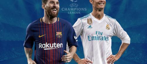 Mascaras de cristiano y Messi son fabricadas.