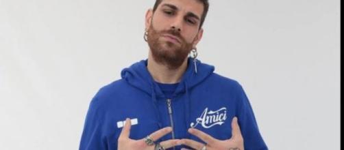 Matteo Cazzato, cantante della squadra blu eliminato ad Amici 17