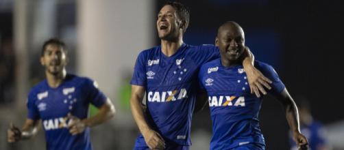 Sassá e Thiago Neves (Foto: Divulgação)