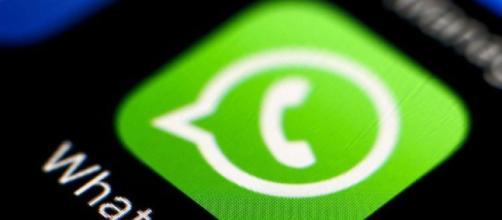 Whatsapp blocca il telefono: ecco il messaggio incriminato