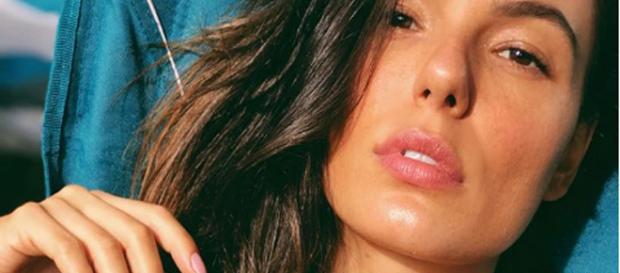 A atriz Isis Valverde está grávida