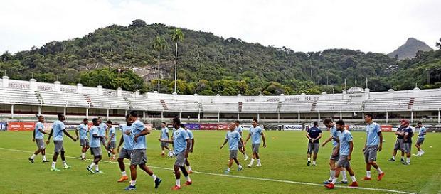 Após mais de um ano, Fluminense realiza treino nas Laranjeiras (Foto: Lucas Merçon)