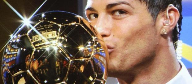 Comment contacter Cristiano Ronaldo - toutcomment.com