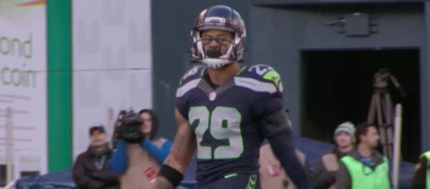 The Dallas Cowboys remain interested in trading for Seattle Seahawks safety Earl Thomas, per NFL rumors. [Image via NFL/YouTube]