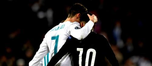 Accolade entre les des deux meilleurs joueurs du monde
