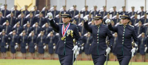 Ceremonia de graduación curso 107 de oficiales   En el Camp  Flickr - flickr.com