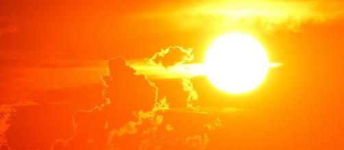 El sol aporta al paseo un valor añadido. Public Domain.