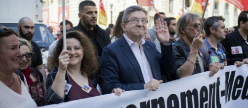 La France insoumise fait « la fête à Macron »