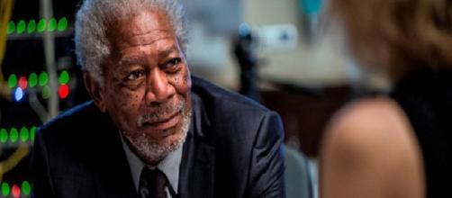 O ator Morgan Freeman em cena do filme 'Lucy'