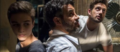 Renato não pretende entregar Tomaz a Clara