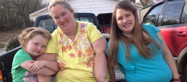 Mama June with her daughter's - social network