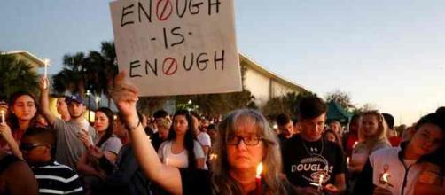 Après la tuerie de Parkland en Floride, la législation sur les ports d'armes va-t-elle changer ?
