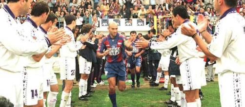 Lo que une el fútbol no lo separa ni el hombre