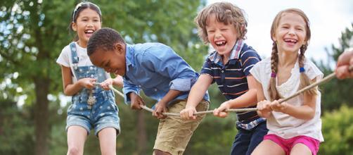 niños jugando, ¿por qué no se les acaban las pilas?