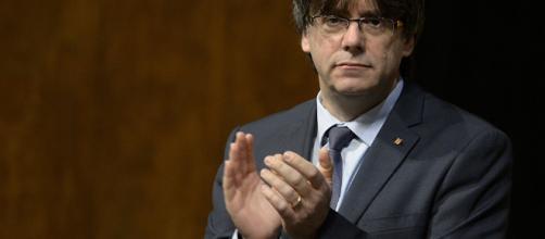 Puigdemont avala la candidatura de Sànchez a la Presidencia de ... - sputniknews.com