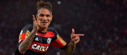 Segundo pessoas ligadas ao atleta, o atacante peruano teria manifestado interesse em permanecer no clube. (Fonte: Portal Torcida Flamengo).