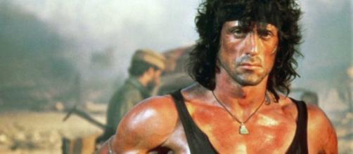 Sylverter Stallone interpreta a Rambo